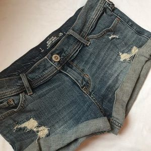 Hollister short